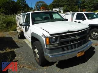 2002 Chevrolet Silverado 3500 Truck w/ Open Box