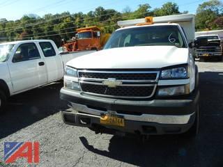 2005 Chevrolet Silverado 3500 Crew & Cab w/ Dump & Plow & Sander