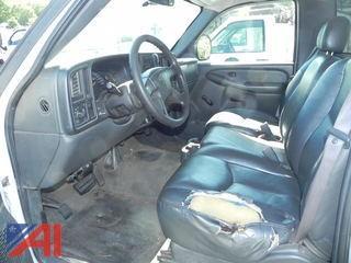 2005 Chevrolet Silverado 3500 Truck w/ Open Box