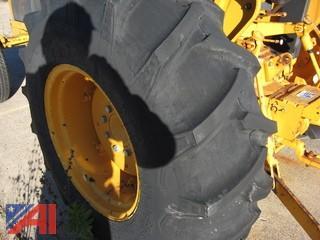 1991 John Deere 2555 Tractor