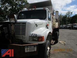 1993 International 4800 Truck w/ Sander