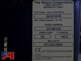 2005 Braun Wheel Chair Lift