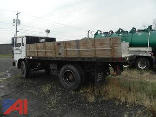1986 Mack MS200P Truck w/ Dump Rack