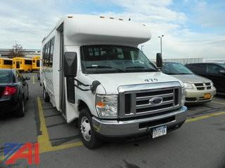 2008 Ford E450 Bus w/ Wheel Chair Lift