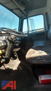 2001 International 4700 Box Van