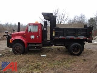 1993 International 4x2 4700 Dump Truck