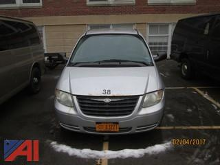 2005 Chysler Town & Country Van