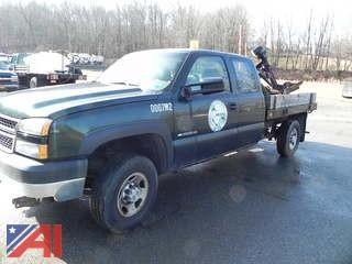 2007 Chevy Silverado Classic 2500HD Extended Cab Pickup with Plow