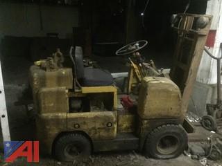 Allis Charmers FP30-24 Forklift