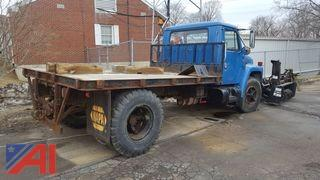 1985 International 1700 Flat Bed