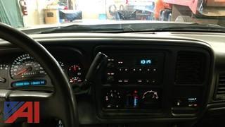 2007 Chevy Silverado Classic 2500 HD Pickup w/ Plow