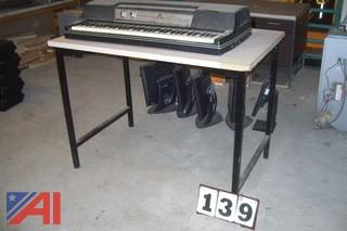 Wurlitzer Electric Keyboard