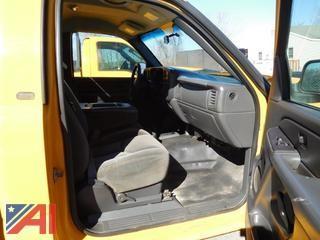 2005 Chevy Silverado 2500 HD Pickup w/ Plow