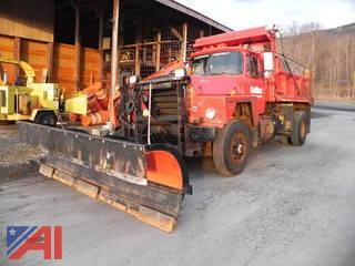 1986 Mack RD685P Dump w/ Plow