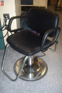 (4) single salon chairs