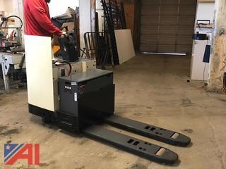 Crown Electric Pallet Forklift