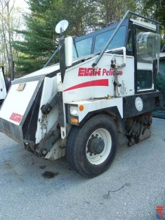 2006 Elgin Pelican Street Sweeper