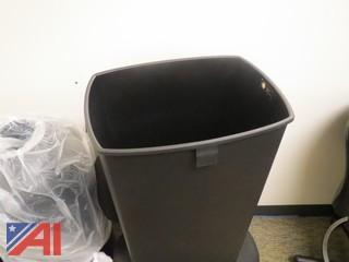 Trash Bins & Toilette Paper Dispenser