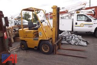 Towmotor V404B Forklift