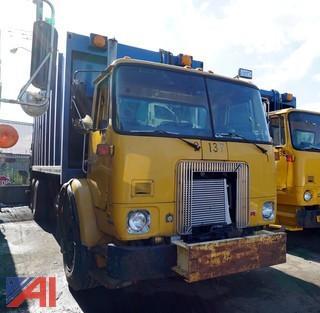 2000 Volvo Refuse Truck Leach Rear Loader/S-137
