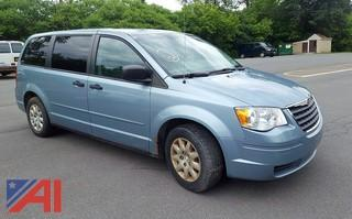 2008 Chrysler Town & Country LX Mini Van