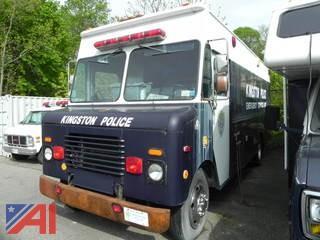 1986 International S1654 Police Van