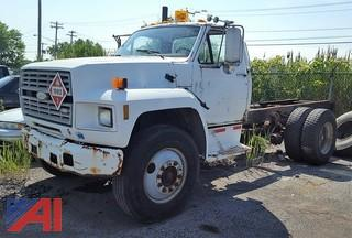1989 Ford F700 Cab & Chassis