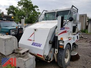 2001 Elgin Pelican Tri Wheel Sweeper