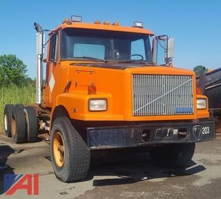 1993 White/Volvo WG 6x4 Cab and Chassis/Semi