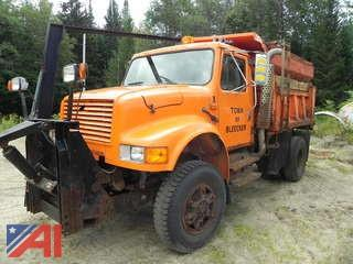 1992 International 4800 Dump Truck with Sander and Plow