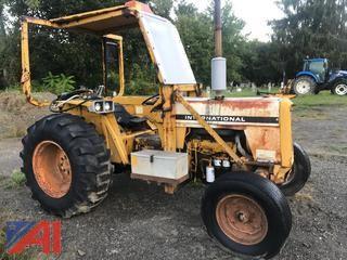 1975 International 2500B Tractor