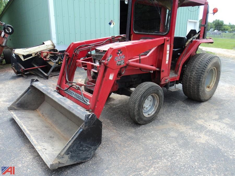 auctions international auction hannibal central schools surplus rh auctionsinternational com Massey Ferguson Images 1060 1993 Massey Ferguson 1160