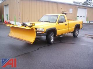 Updated  2002 Chevrolet Silverado 2500HD Pickup w/ Plow