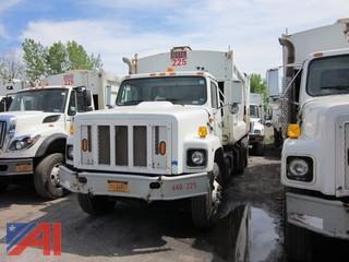 2000 International 265 Dump/Packer