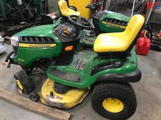 About 2013 John Deere D130 Riding Mower Tractor