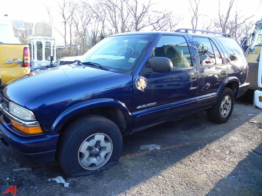 auctions international auction city of new rochelle ny 16235 item 2003 chevy blazer suv auctions international