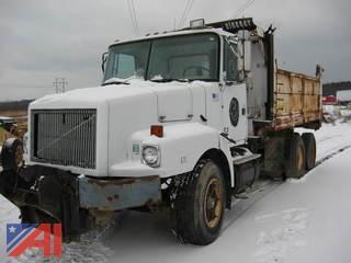 1993 White WGM Dump Truck