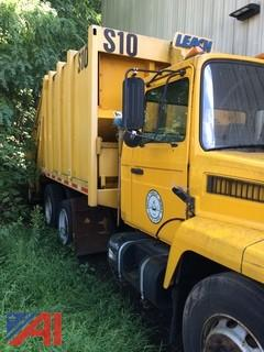 1998 Mack Mid-Liner CS300P Garbage Truck