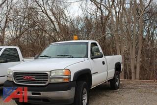 2002 GMC Sierra 2500HD Pickup Truck