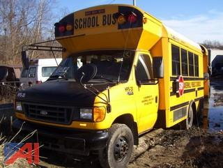 2005 Ford E350 Super Duty Mini Wheelchair School Bus