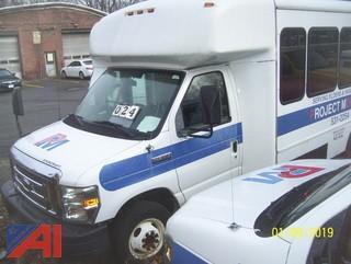 2009 Ford/Starcraft E450 Wheelchair Bus