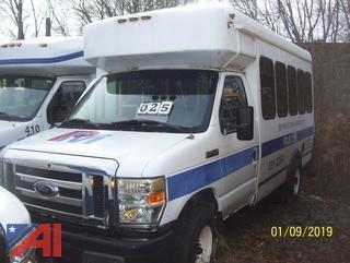 2008 Ford E350 Super Duty Wheelchair Bus