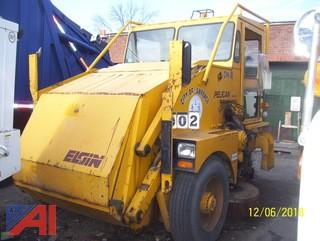 1999 Elgin Pelican SE Sweeper