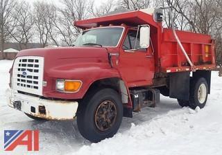 1996 Ford F700 Dump Truck