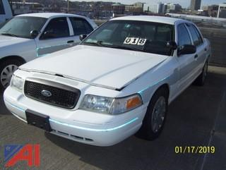 2010 Ford Crown Victoria 4 Door/Police Interceptor