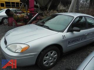 (21) 2005 Ford Taurus SE 4 Door