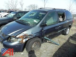 (#2) 2002 Dodge Grand Caravan Mini Van