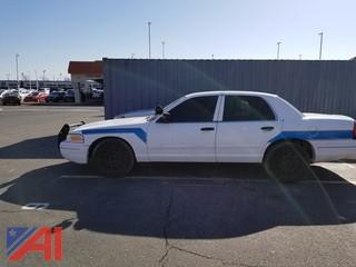 2006 Ford Crown Victoria 4 Door/ Police Interceptor