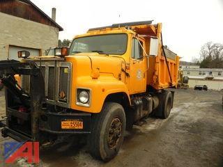 1994 International Navistar 2574 Dump Truck with Plow
