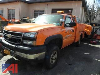 #17 2006 Chevy Silverado 2500 HD Pickup Truck with Utility Body